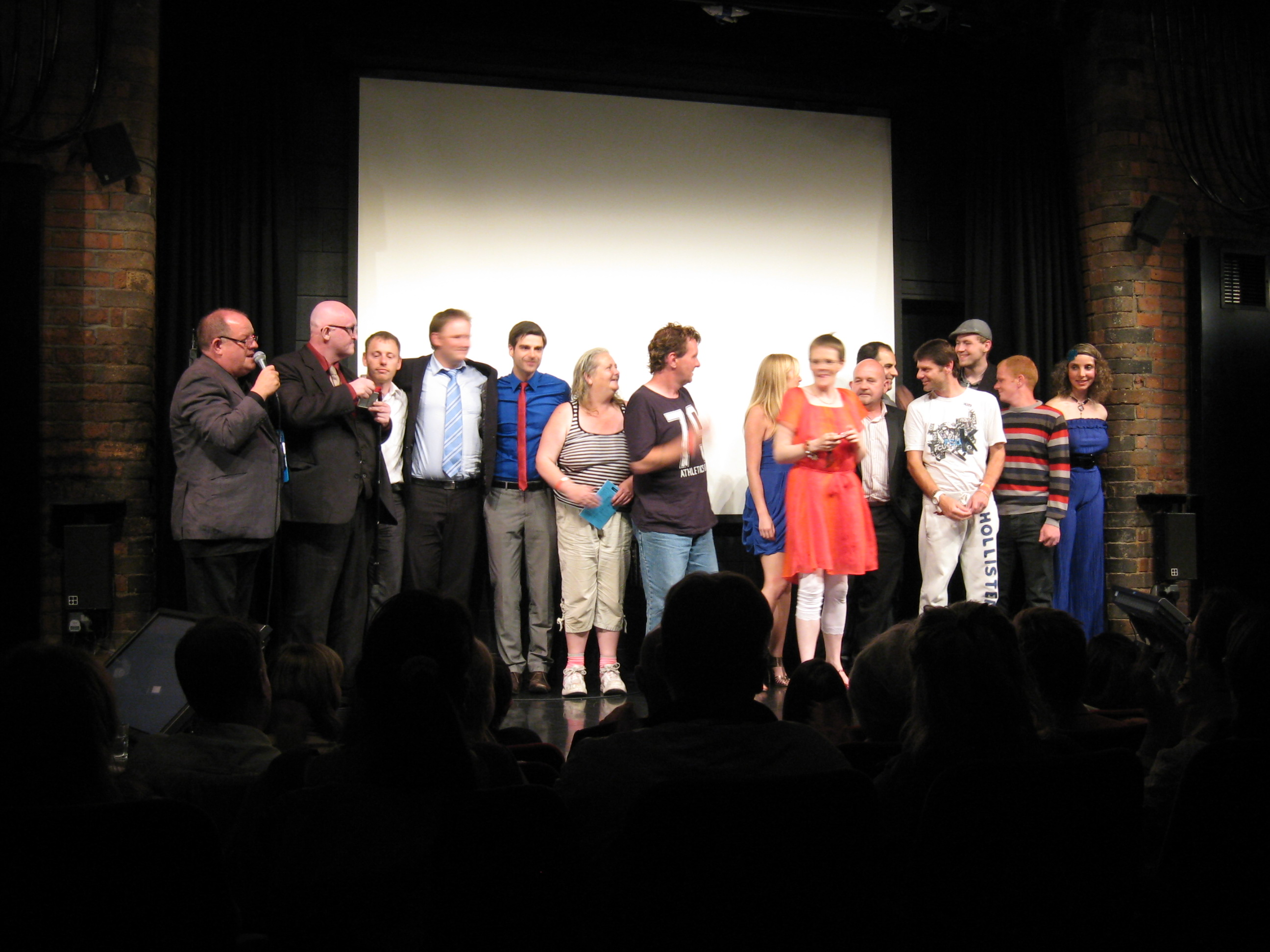 The cast take a bow with John Henshaw - 4612